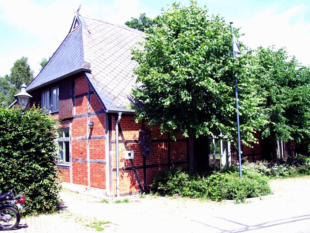 Frontansicht des Dorfgemeinschaftshauses