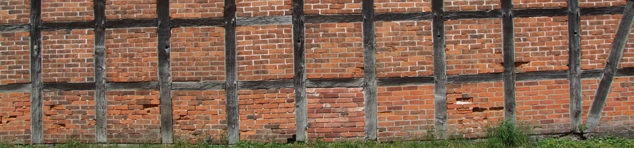 Fachwerkmauer einer Scheune in Rullstorf